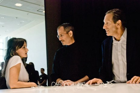Singer K.T. Tunstall with Apple CEO Steve Jobs, and Starbucks CEO Howard Schultz at the Moscone Center in San Francisco in September 2007