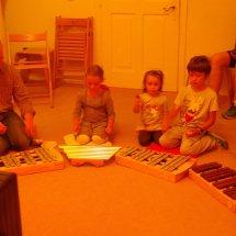 La pièce avec les instruments de musique