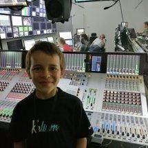 Liam dans la salle de mixage