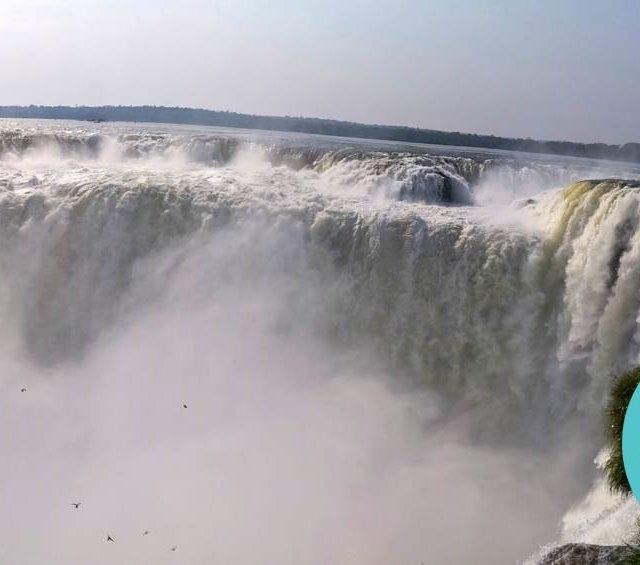 The mighty devils falls  iguazu Les fameuses chutes duhellip