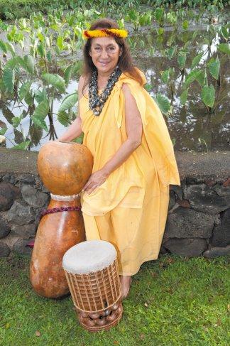 Vicky Holt Takamine