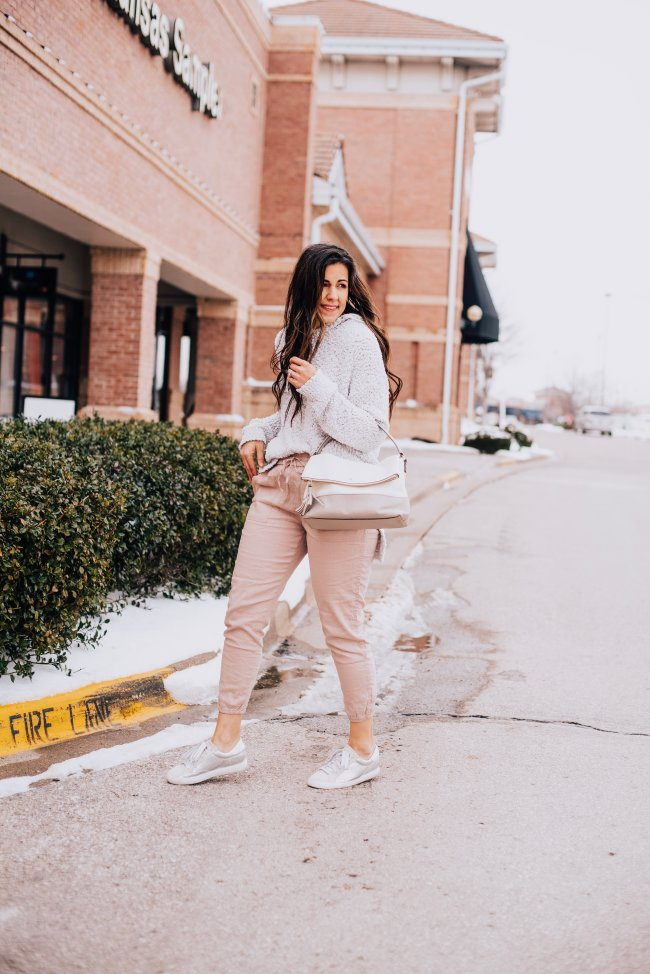 pink jogger outfits
