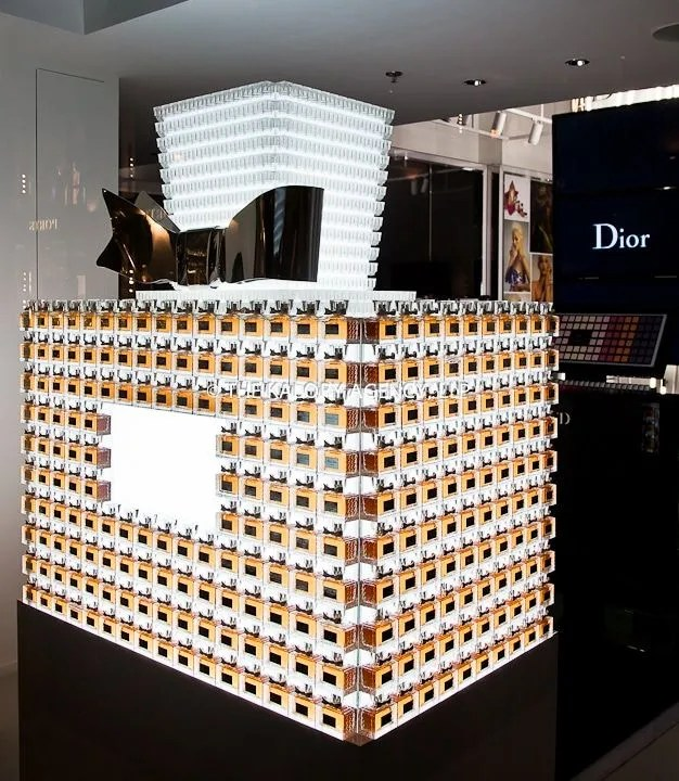 22 Pictures Of Creative Visual Merchandising And Great