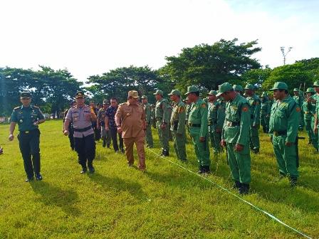 Ketgam : Bupati Muna, L.M Rusman Emba Melakukan pengecekan Pengamanan Pemilu