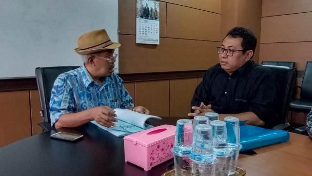 Ketgam : Anngota Dewan Pers Jauhari bersama ketua SMSI Firdaus