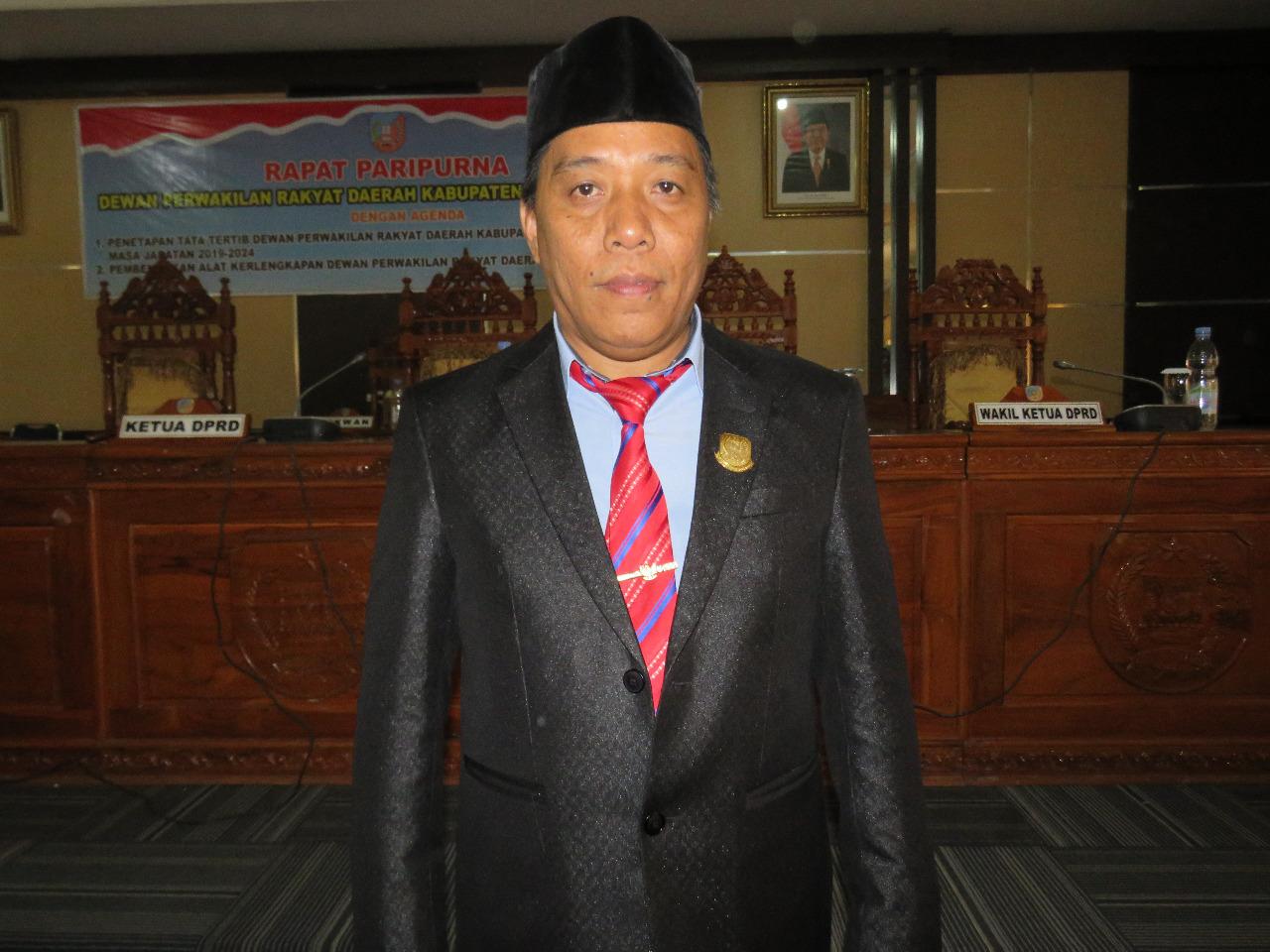 Ketgam : Wakil Ketua DPRD Konsel, Senawan Silondae