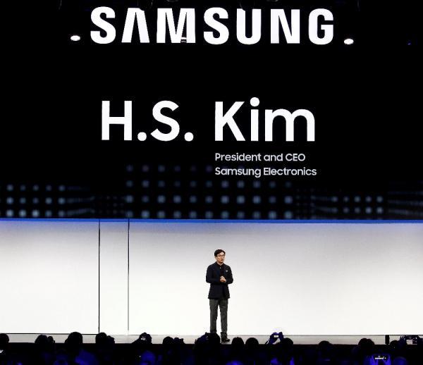 El Presidente y CEO de Samsung Electronics, H.S. Kim, participa en una conferencia de prensa hoy, durante el International Consumer Electronics Show 2019 (CES 2019), en Las Vegas, Nevada (EE.UU.).