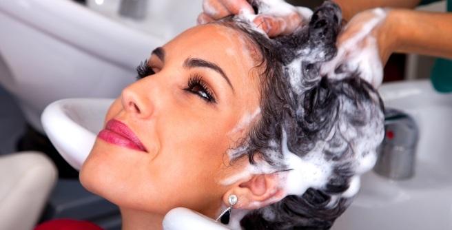 Sabes con qué frecuencia deberías lavar tu cabello