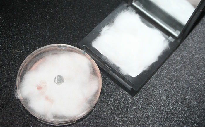 DIY Tutorial How To Prevent Your Powder Makeup From Breaking In Your Handbag 4