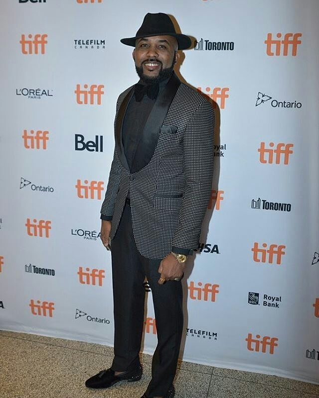 banky-w-looking-dapper-at-twp-premiere