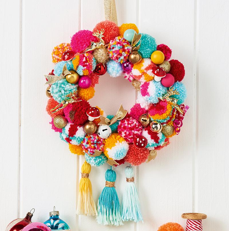 pompom kerstkrans maken