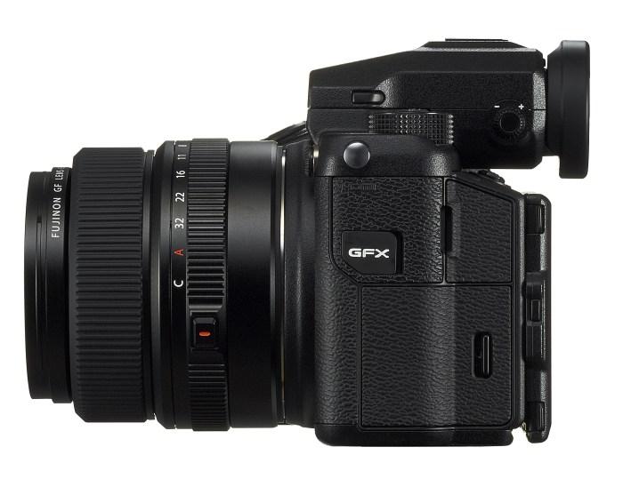 SPEILLØS: Alle som er vant til å fotografere med speilreflekskameraer eller speilløse systemkameraer, vil trolig føle seg komfortable med mellomformat-kameraet Fujifilm GFX 50S. (Foto: Fujifilm)