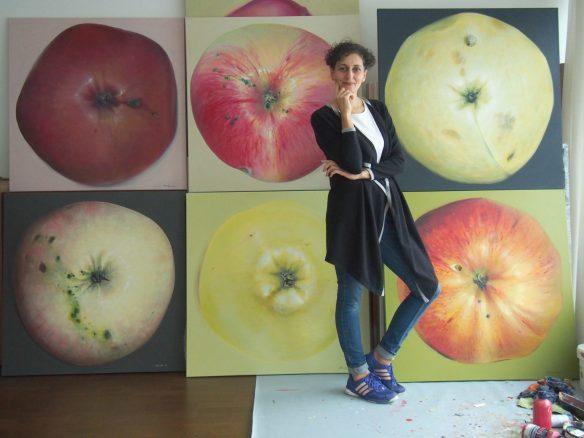 Kamille Saabre õunamaalid, kingitus EV100