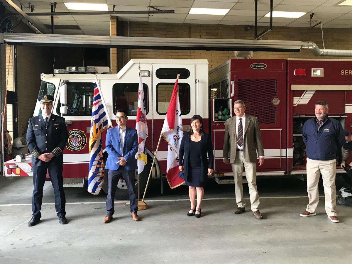 Kamloops Fire Chief Steve Robinson, TteS Councillor Justin Gottfriedson, Kukpi7 Rosanne Casimir, Mayor Ken Christian, and Director Byron McCorkell.