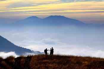 Happy_Hikers
