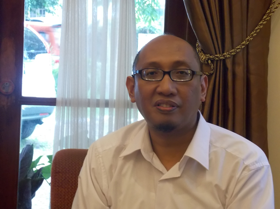Bambang Trimansyah: Kunci di Balik Institut Penulis Indonesia