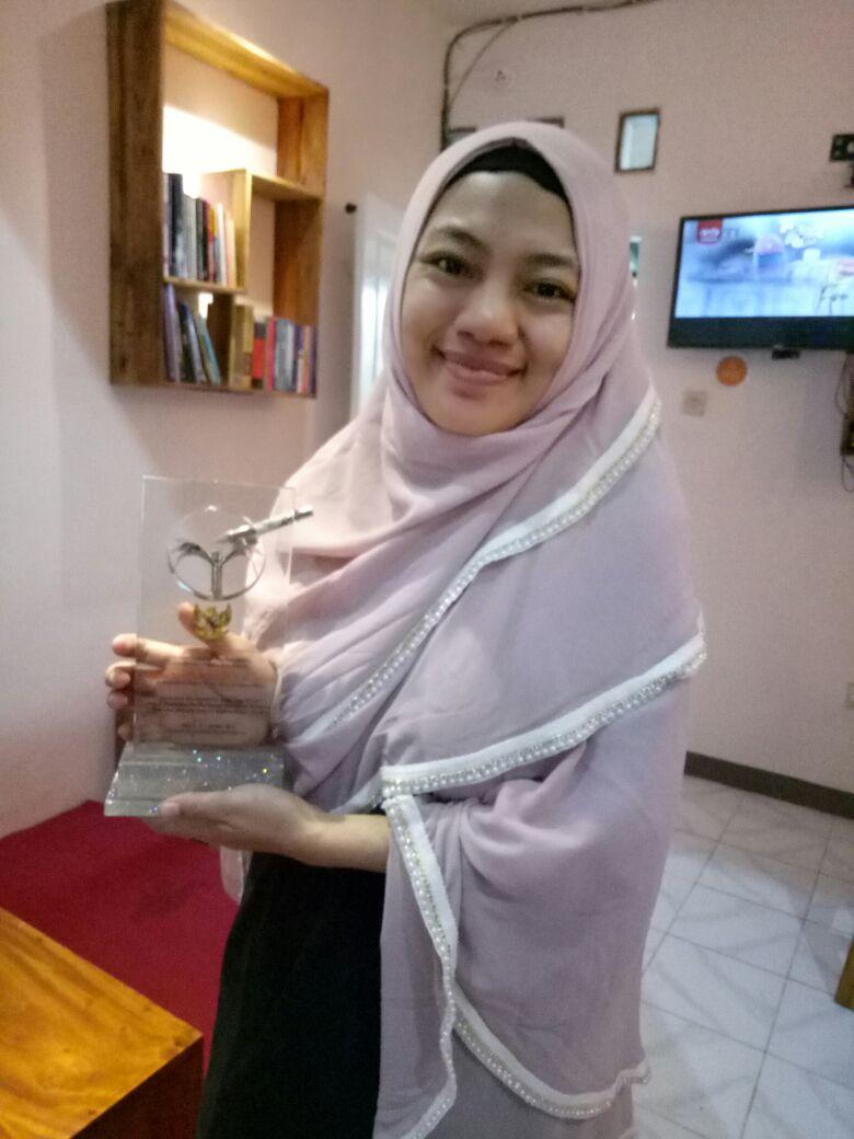Mega Nisfa Makhroja : Educaring Perempuan-perempuan Marginal di Nusa Tenggara Barat
