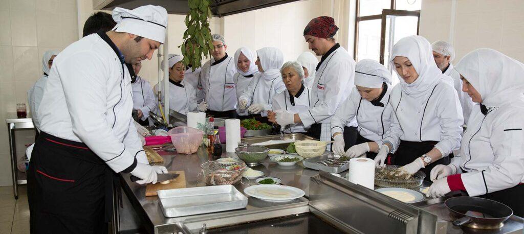 Emniyet Genel Müdürlüğüne Kadrolu Aşçı Alınacak
