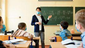 Maske Takmayan 3 Öğretmen Görevden Uzaklaştırıldı