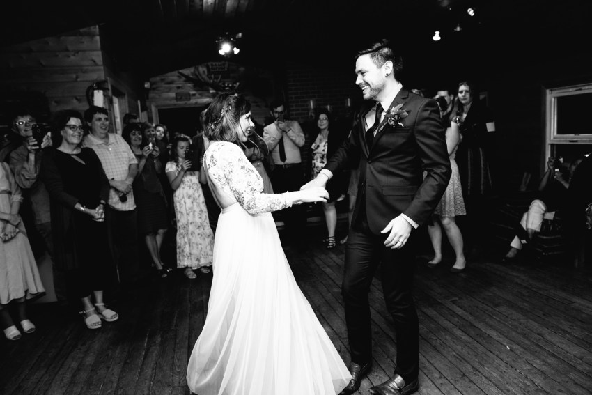 085-oakland-farm-lodge-wedding-kd2017-kandisebrownphotographer