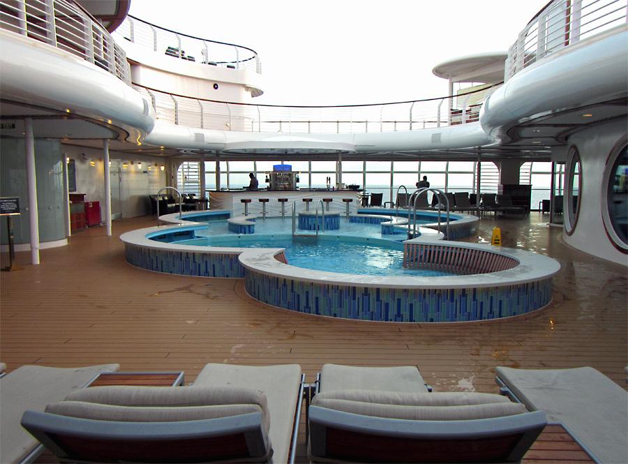 The-Quiet-Cove-Pool