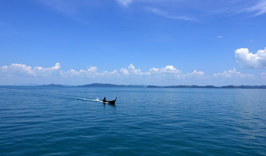 phang-nga-bay-longtail