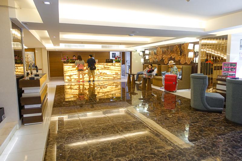 Grand-Swiss-Hotel-Bangkok-Thailand-Lobby