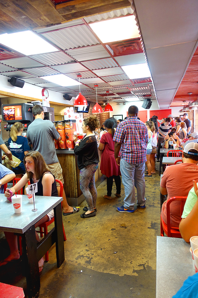 Nashville-Hattie-B's-Hot-Chicken-Interior