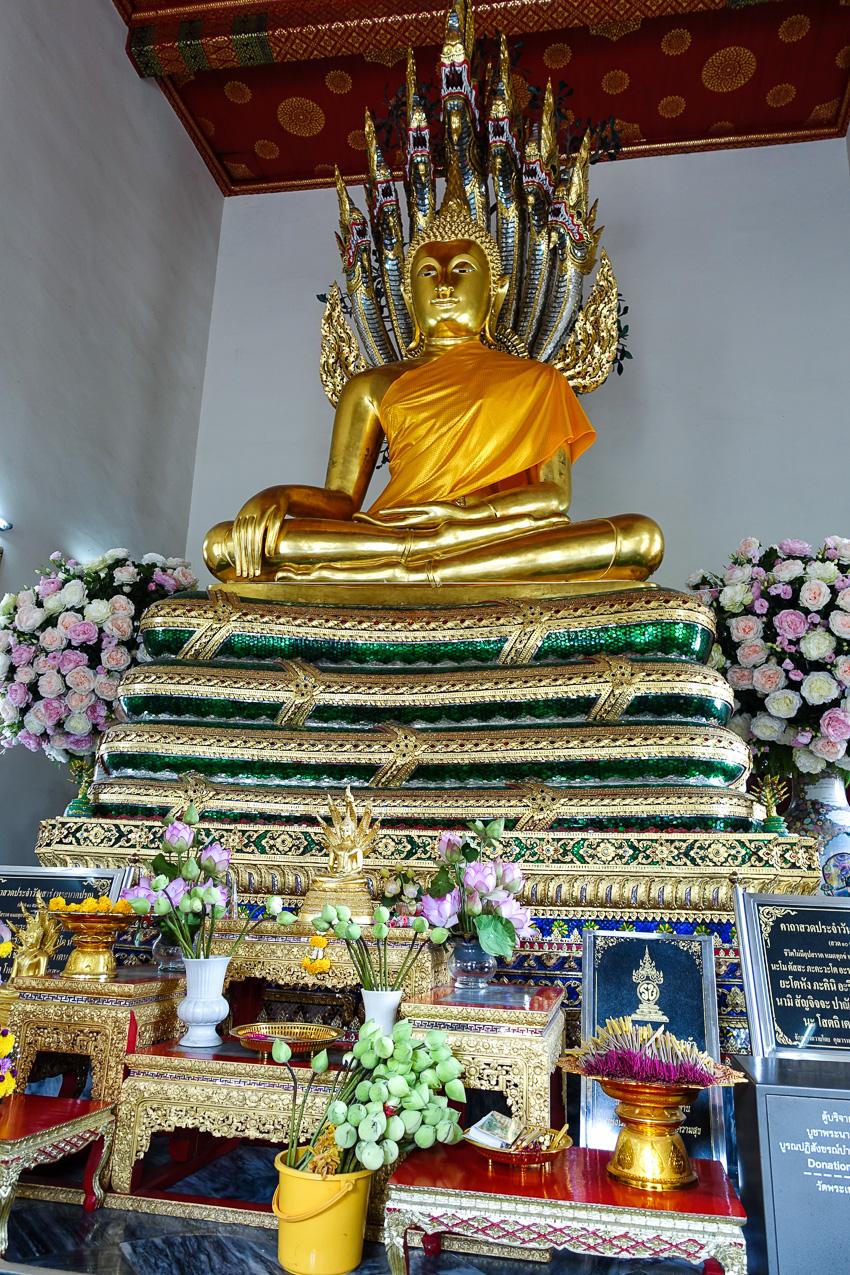 wat-pho-buddha-statue
