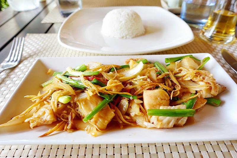 Pavillon-d'Orient-Restaurant-Squid-Stir-Fry