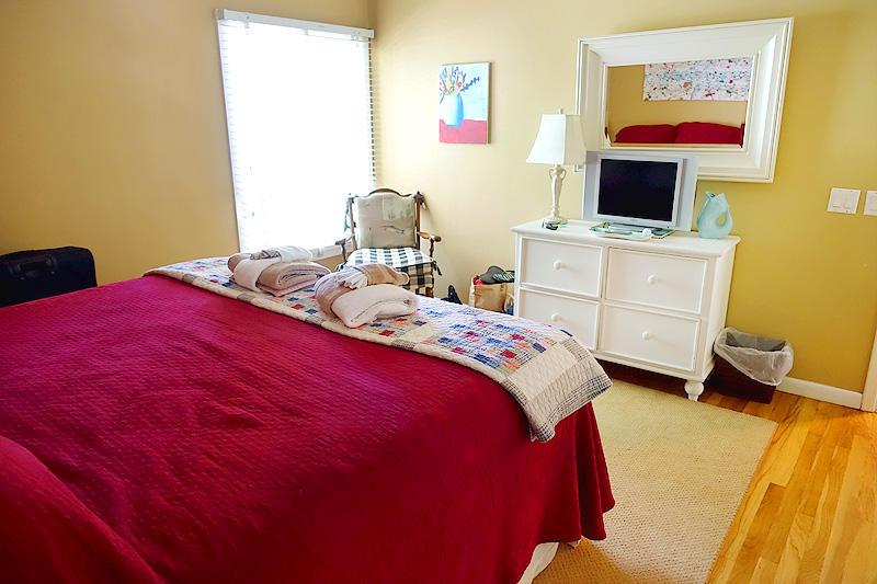 Sea-Pines-Lighthouse-Villa-Unit-6-Upstairs-Bedroom-02