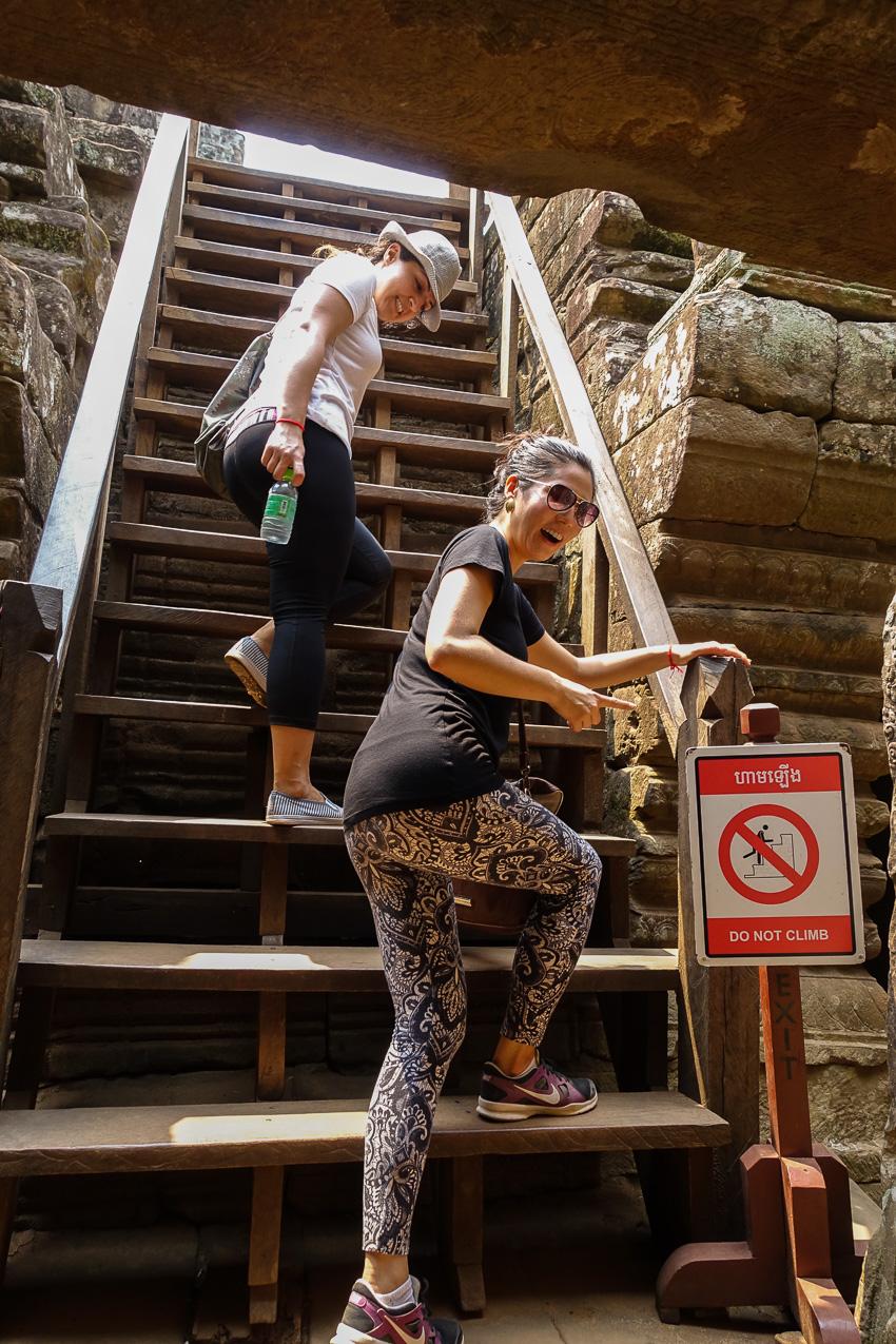 angkor-wat-bayon-stairs
