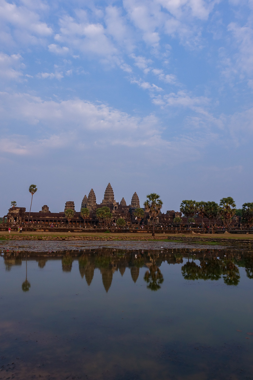 angkor-wat-reflecting-pond