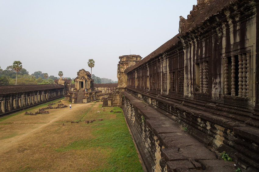 angkor-wat-second-level-courtyard