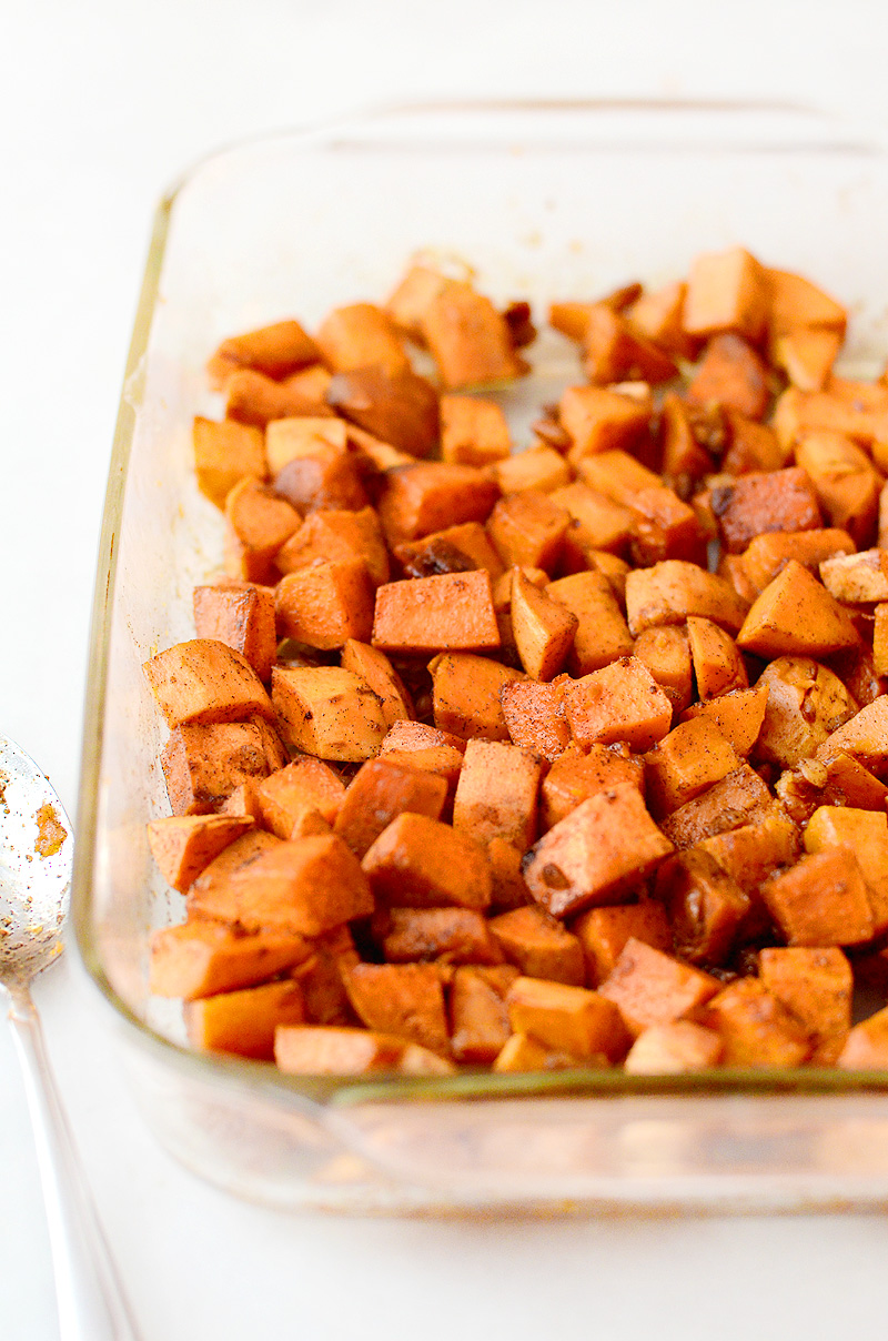 Honey-Ginger-Roasted-Sweet-Potatoes-Pecans-03