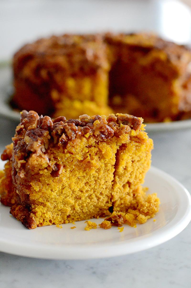 Pecan-Praline-Pumpkin-Upside-Down-Cake-02