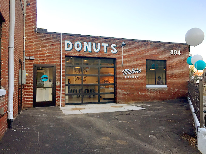 Makers-Donuts-Knoxville-Exterior-01