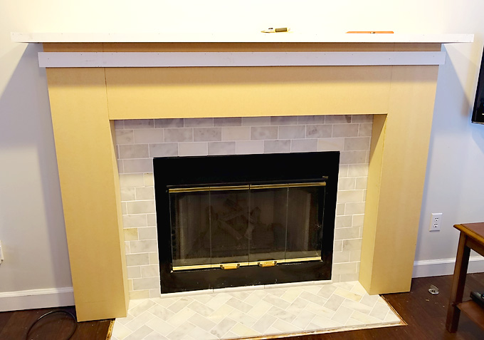 Fireplace-Makeover-DIY-Mantel-09