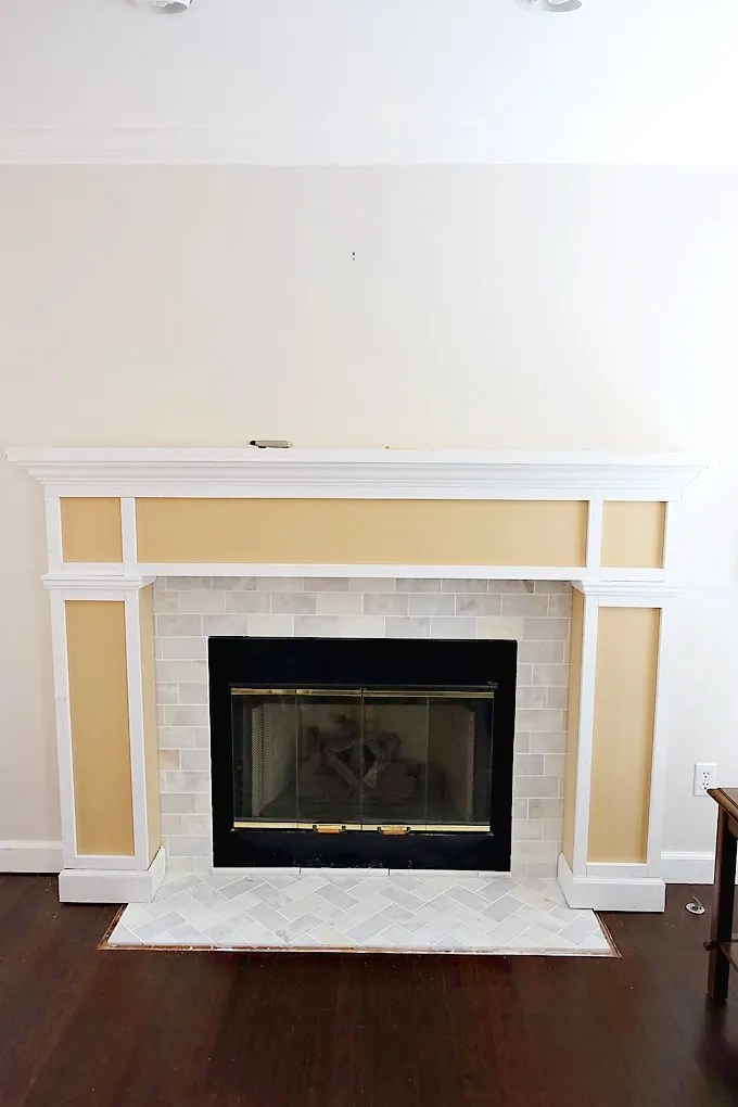 Fireplace-Makeover-DIY-Mantel-10