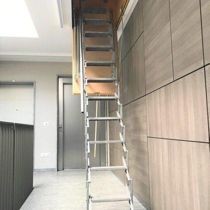 Scala retrattile per uscita su tetto piano