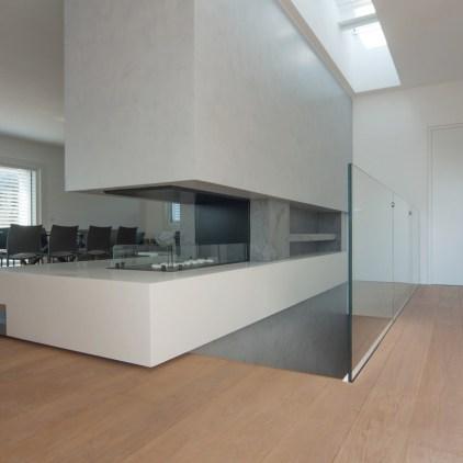 Kragarmtreppe Serie Ego Glass mit verlängertem Antrittspodest 4
