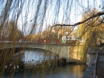 Die Wanne auf der Kottbusser Brücke