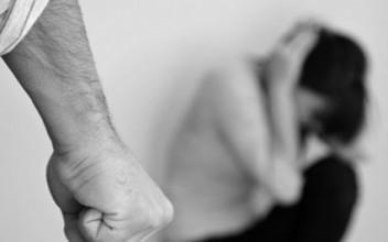 TRAMORTISCE LA MOGLIE A PUGNI SUL VISO: ARRESTATO SRILANKESE