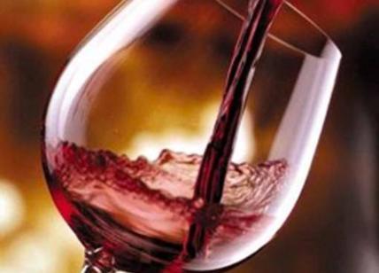 Vino, cala il consumo ma gli Italiani restano fedeli a Bacco