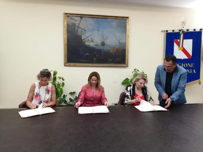 Campania, firmata intesa per l'educazione finanziaria nelle scuoleLLE SCUOLE