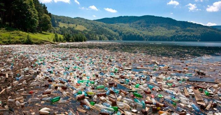 """Le """"Isole di immondizia"""" che stanno inghiottendo gli oceani e i mari"""