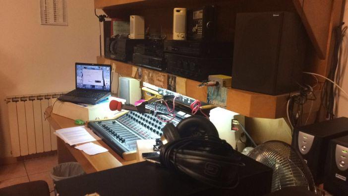Lo studio di Radio Alce pronto per le nuove dirette 2020