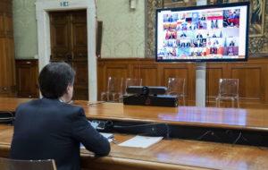 Il premier, Giuseppe Conte, durante il summit conference Coronabond con gli altri capi di stato dell'Eurozona