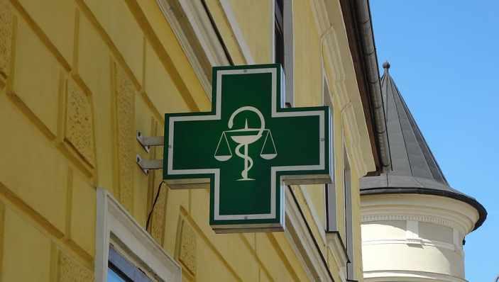 Covid 19: Mascherine gratis ai farmacisti campani