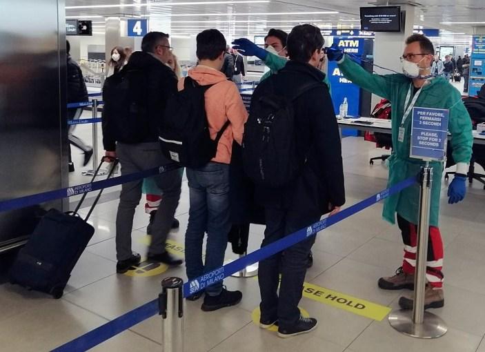 Covid-19, da domani tamponi all'aeroporto di Capodichino